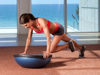exercitii fitness plansa bosu